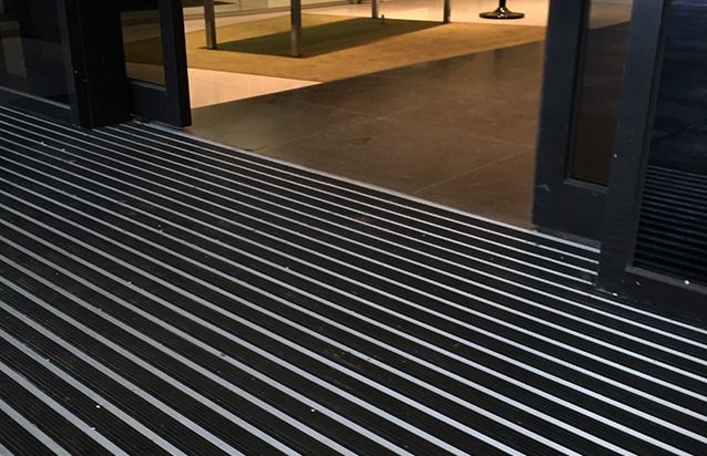 STEPRIGHT ARCHITECTURAL MAT - RUBBER INSERTS